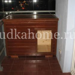 фото будка на балконе
