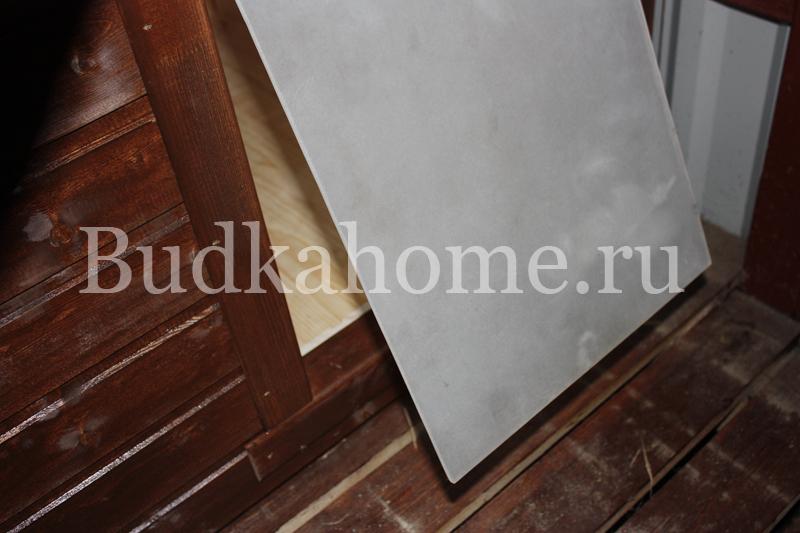 фото пластиковая дверь на лаз будки